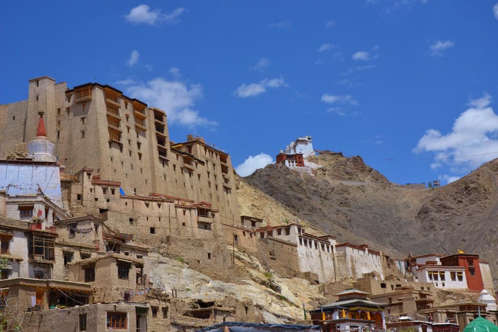 Das Stadtbild von Leh ist geprägt vom alten Königspalast sowie dem allem überragenden Kloster